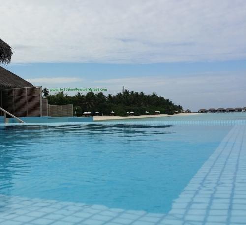 Water Bungalow with Pool velassaru